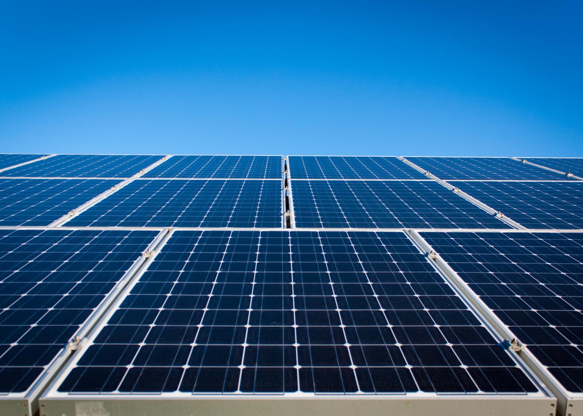 Azeitão, Sado e Gâmbia-Pontes-Alto da Guerra instalam painéis solares fotovoltaicos para autoconsumo